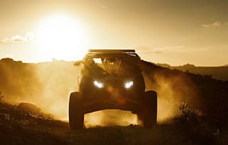 can-am-off-road-maverick-x-desert-soleil-couchant-crepuscule-mobile