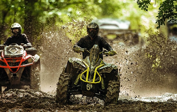 can-am-off-road-renegade-x-mr-1000r-sortie-foret-boue