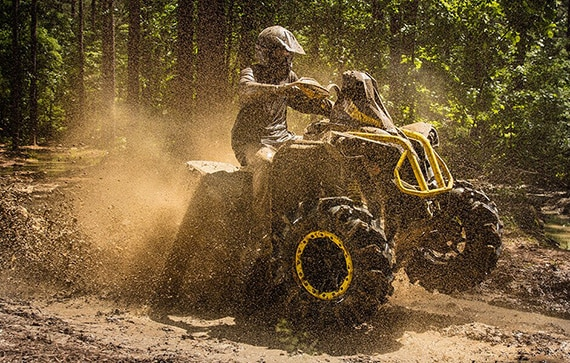 can-am-off-road-renegade-x-mr-1000r-sunburstyellow-franchissement-mare-boue-traction-extreme
