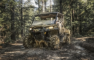 can-am-off-road-traxter-x-mr-hd10-foret-terrain-boue-sentier-mobile